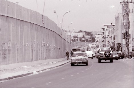 On the road to Ramallah. Creative commons license. By Flickr user Robin Iversen Rönnlund
