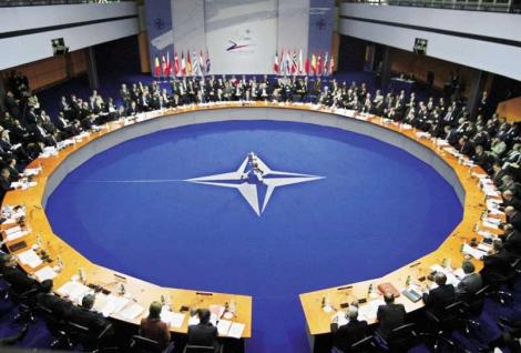 Naton pyöreä pöytä