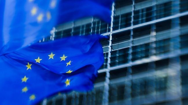 Brysseliin haikailevat eurovaaliehdokkaat joutuvat pohtimaan myös turvallisuuspolitiikkaa