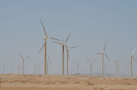Wind_turbine_at_Zaafarana