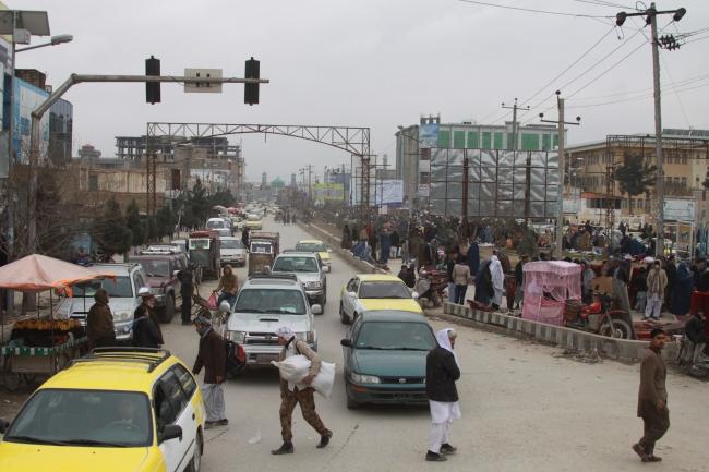 Liikennettä Mazar-e-Sharifissa. Kuva: Timo Miettinen