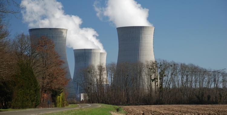 Ydinvoimaloita Ranskassa. Kuva: Let idea's compete, Flickr.