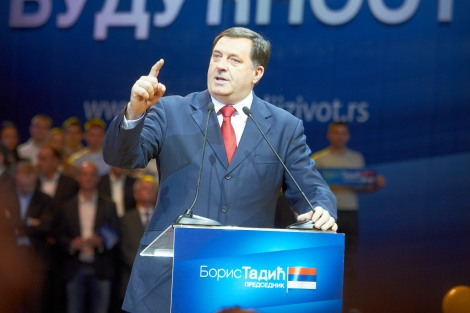 Serbitasavallan presidentti Milorad Dodik aiemmalla kampanjakiertueella. Kuva: Izbor za bolji zivot Boris Tadic